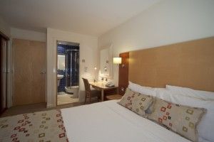 Standard-2-bed-double-bed-to-ensuite
