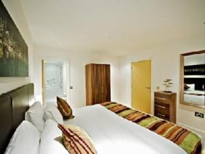 laystall-bedroom2