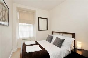 portlandsquarebedroom1