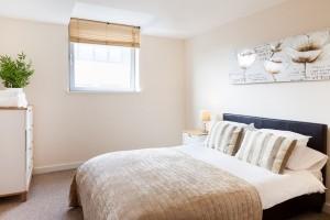 bedroomm2