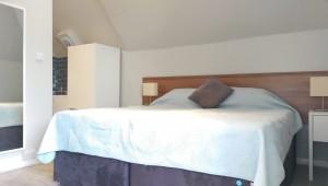 R12 Bed