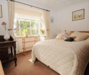 bedroom4-400x340