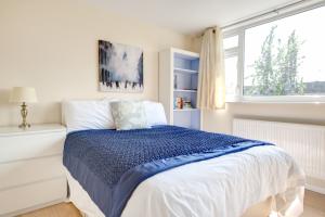 second-bedroom-1-photo-crop