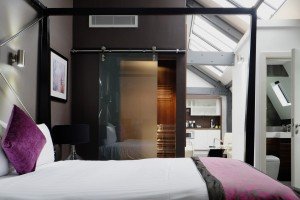 Roomzzz-Manchester-PENTHOUSE-2